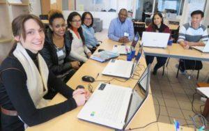 Les migrants formés aux métiers du numérique